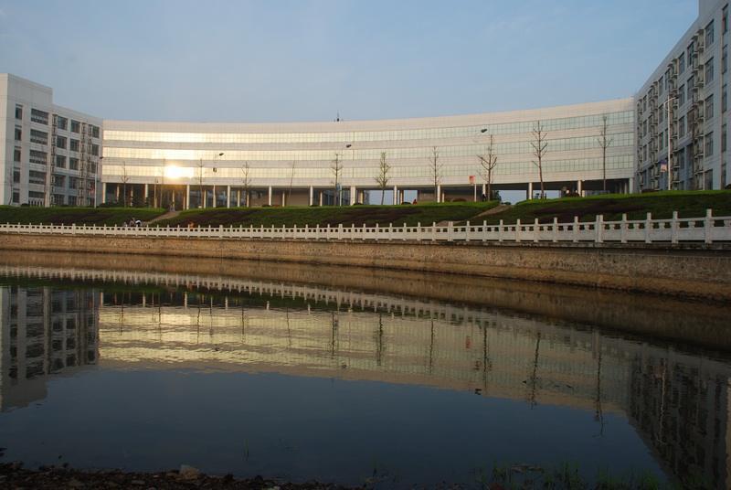 华中科技大学教学楼