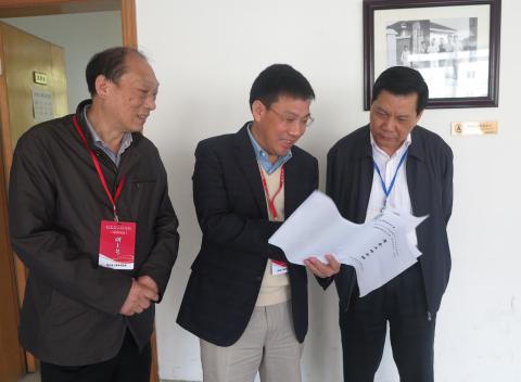 3500余名考生在中南财经政法大学参加省2017年公务员招录考试