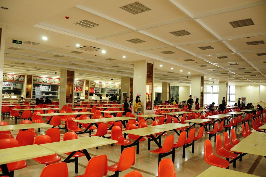 中南财经政法大学食堂