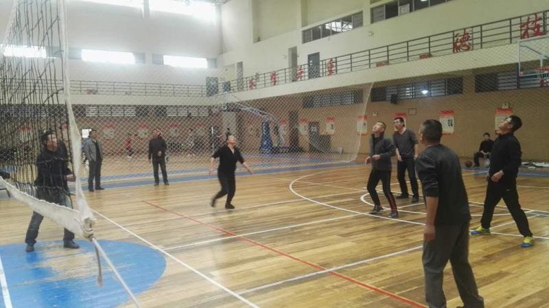 长江大学一场别开生面的排球友谊赛
